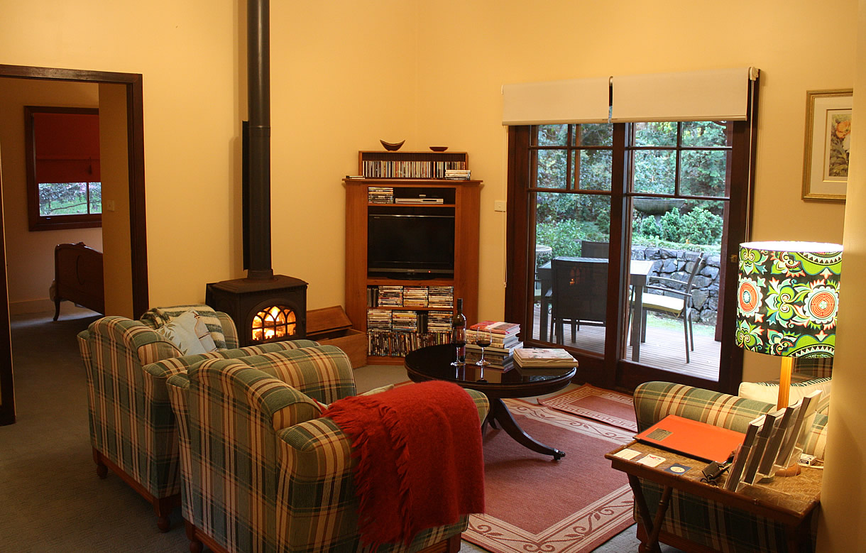 mossgrove accommodation sitting room 02